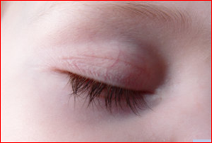 Excellent Natural Ways To Grow Longer Eyelashes